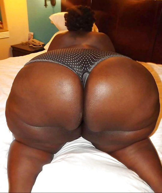 Phat ass ebony, naked male corpses
