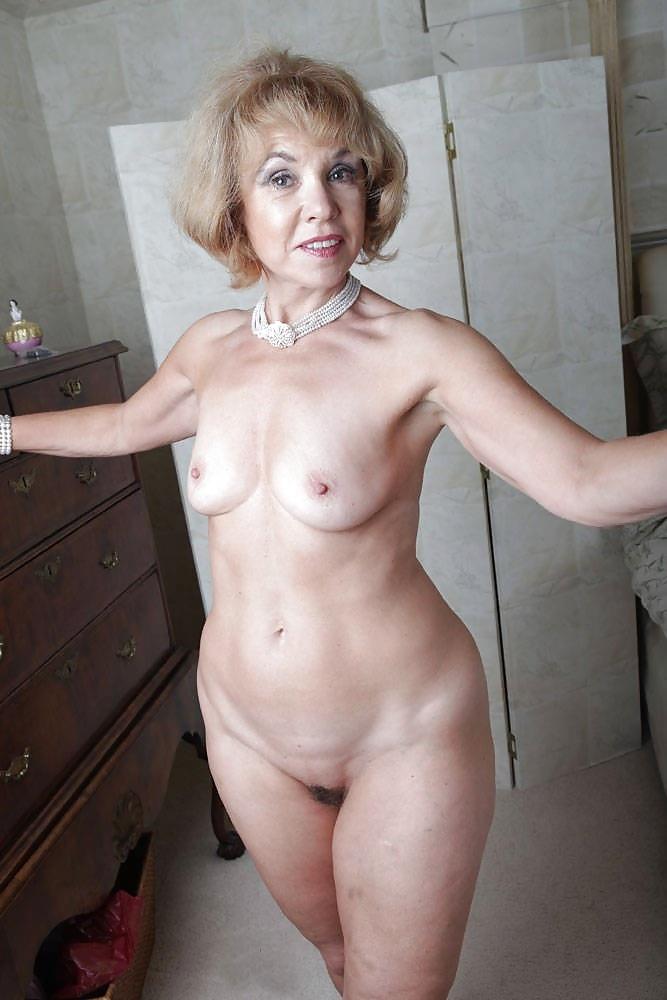 Покажите Обнаженных Зрелых Женщин