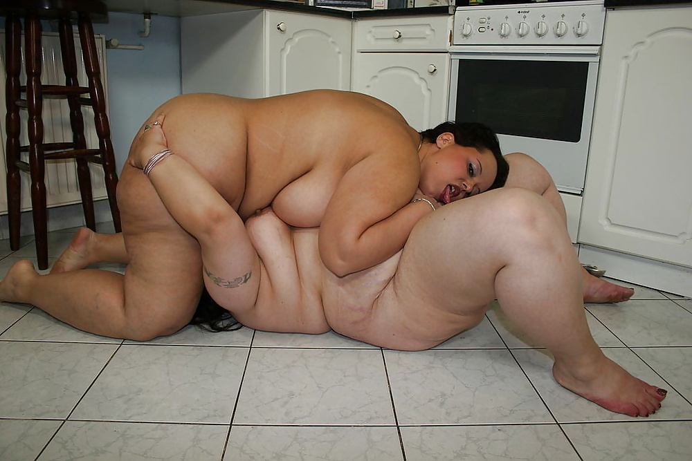 Chubby young totally nude in bathroom
