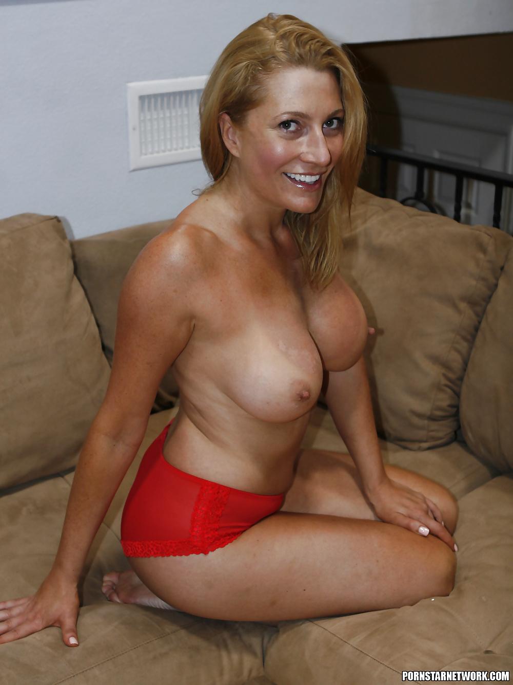 Josephine James Milf Nude Adult Photos