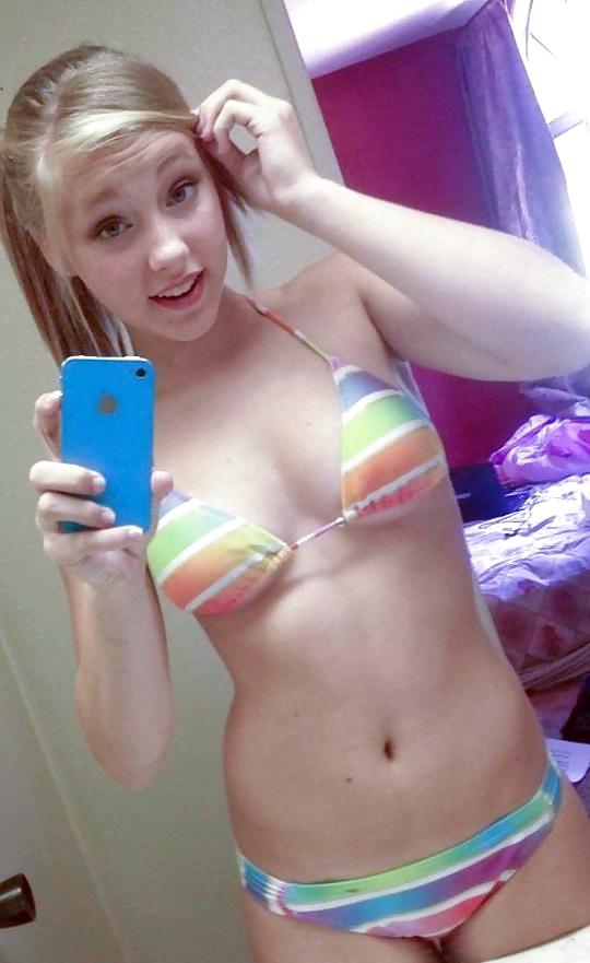 Teen pussy pic selfie — photo 11