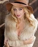 Hot Blondes 44  (88)