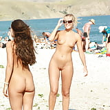 Two attractive girls nude at public beach (8)