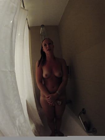 Hotel shower surprise for german collegue :D  (3)
