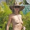 heidi klum topless at the pool sept 2017 (10)