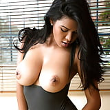 -Bea GREAT BREASTS AND NIPPLES (3/18)