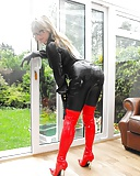 UK Wife Photographed In Red Boots Leather (12)